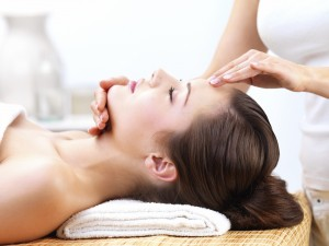 face massage with argan oil
